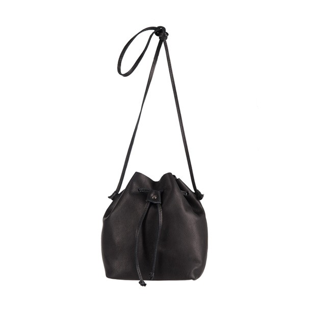 Vera Pelle - Włoska torebka mały worek miękka skóra czarna (2872)