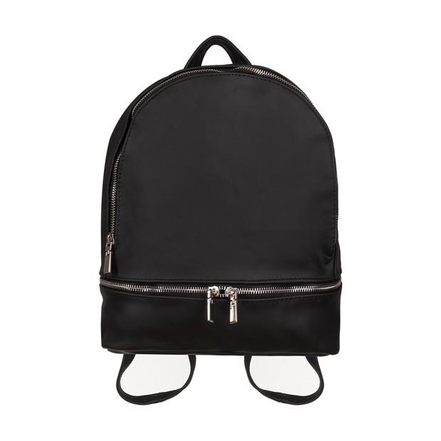 Skórzany plecak z zamkami czarny (4491)