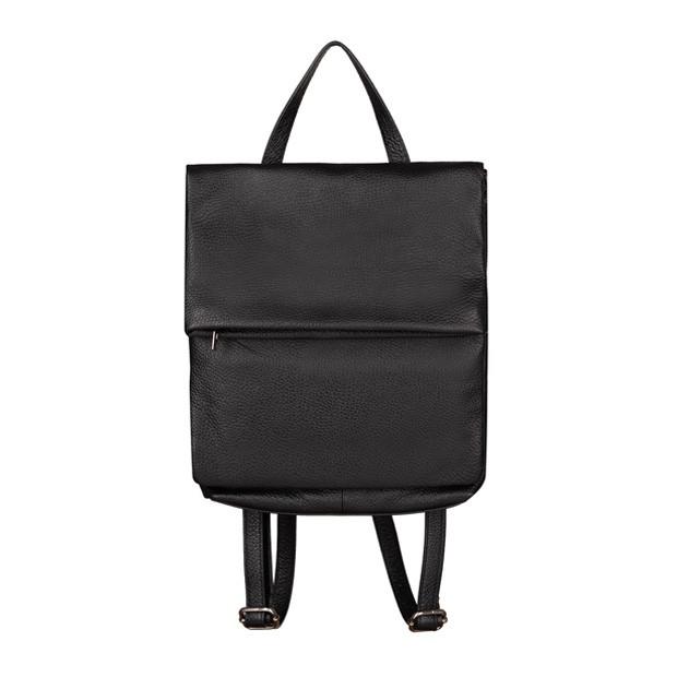 Włoski skórzany plecak z klapką czarny (TS-5887-01)